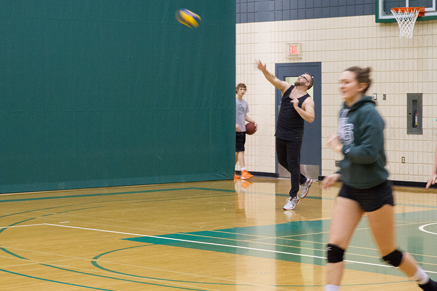 Jeff Drake joins the Huskies women's volleyball team to see what it takes to be a student athlete.