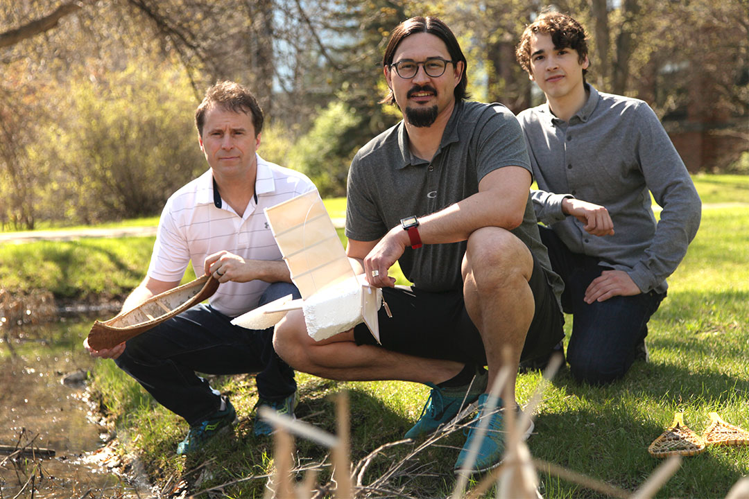 L-R: U of S professor Sean Maw, Indigenous Peoples initiatives co-ordinator Matthew Dunn and engineering undergraduate Connor Theoret.