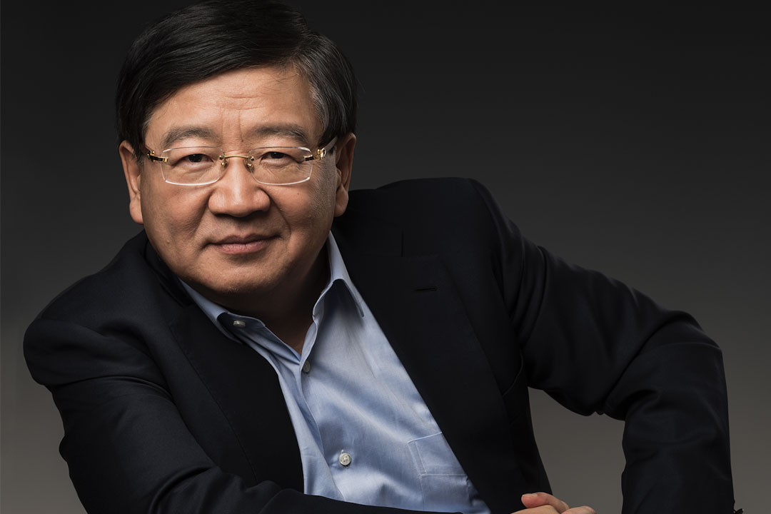 Xiaoping (Bob) Xu will receive an honorary Doctor of Laws on June 7.